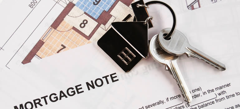 house-keys-on-mortgage-documents